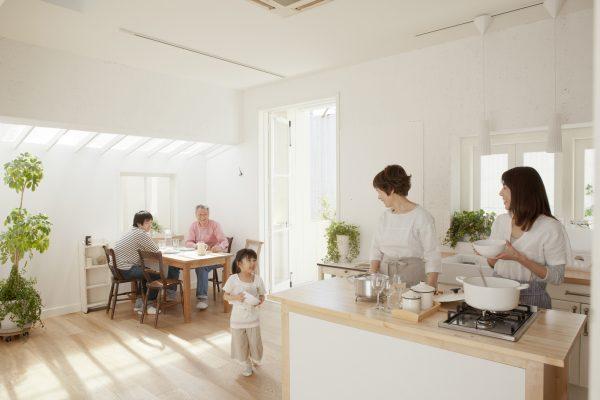 夏の暑さ、冬の寒さをなんとかしたい!夏涼しくて、冬暖かい家の特徴とは?