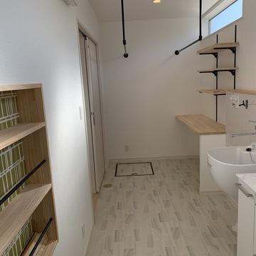 自然素材を使った温もり溢れる、大人気の平屋のお家